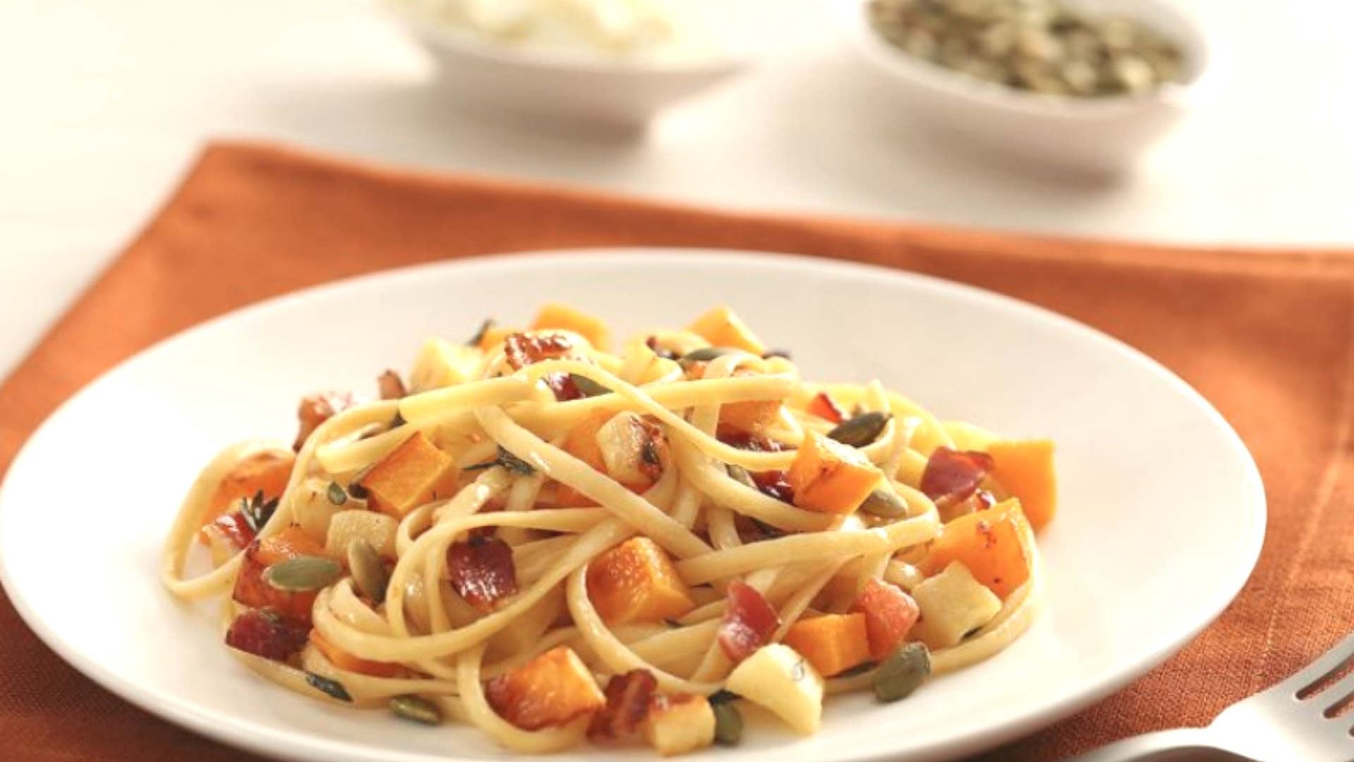 barilla-linguine-caramelized-apple-pumpkin-bacon