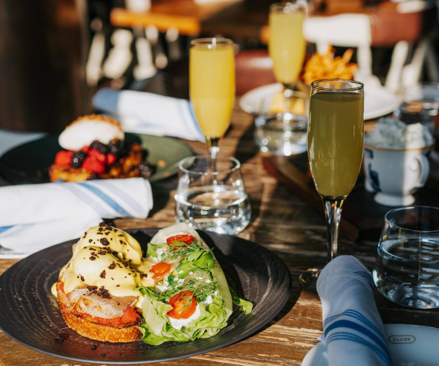 heated patios Toronto | Brunch at Cluny