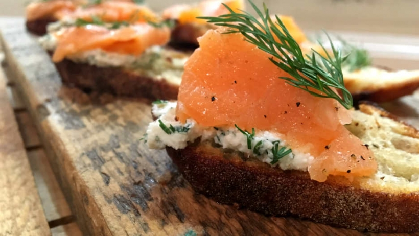 Maman Smoked Salmon Tartinette