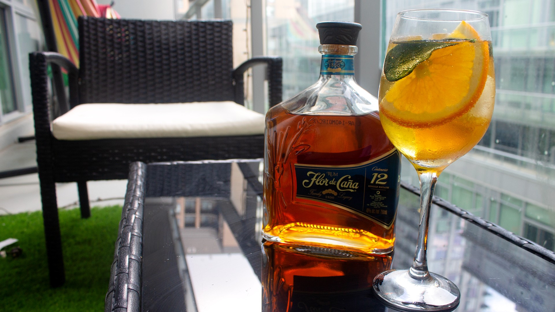 Flor de Caña | Flor Tonic on the patio