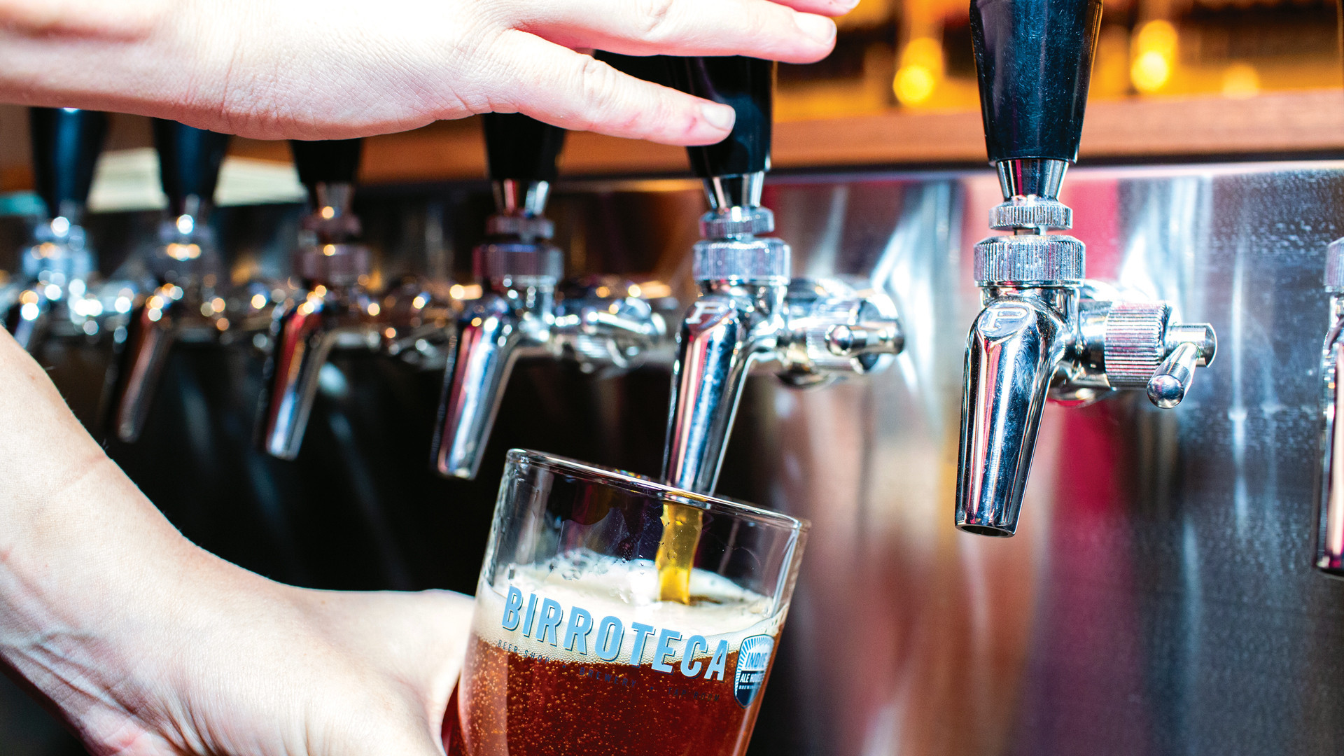Alcohol delivery in Toronto | Taps at Birroteca brewery and bottleshop inside Eataly in Toronto