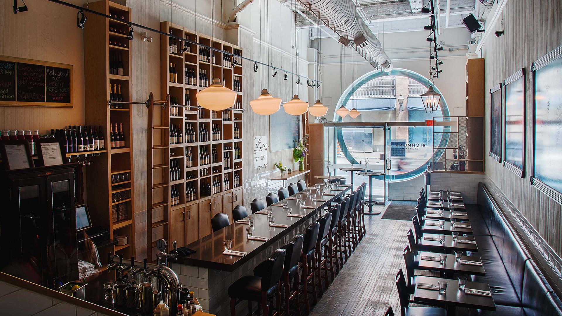 Best farm-to-table restaurants Toronto | Richmond Station dining room
