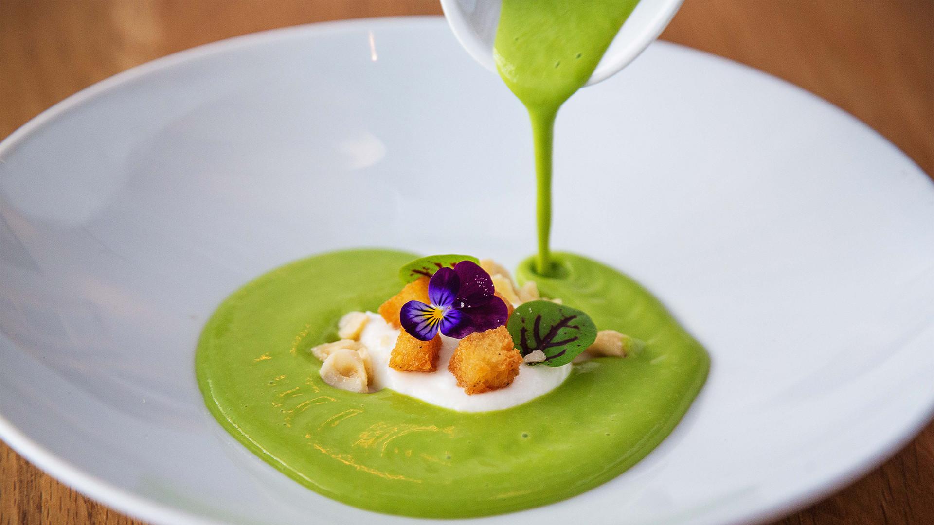 Best farm-to-table restaurants Toronto | Seasonal dish at Richmond Station
