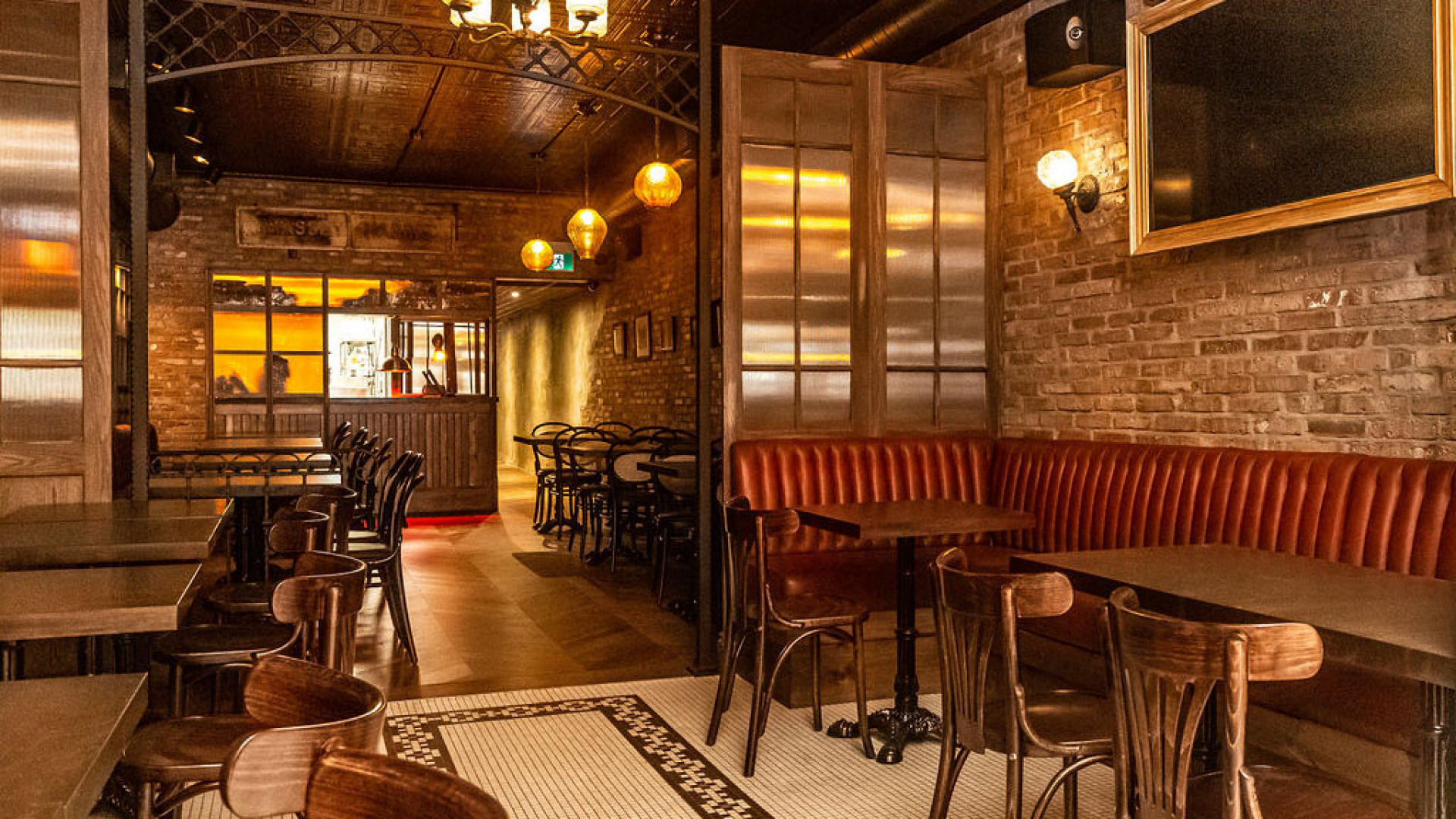 The dining room at the Commoner Bar Room, College Street