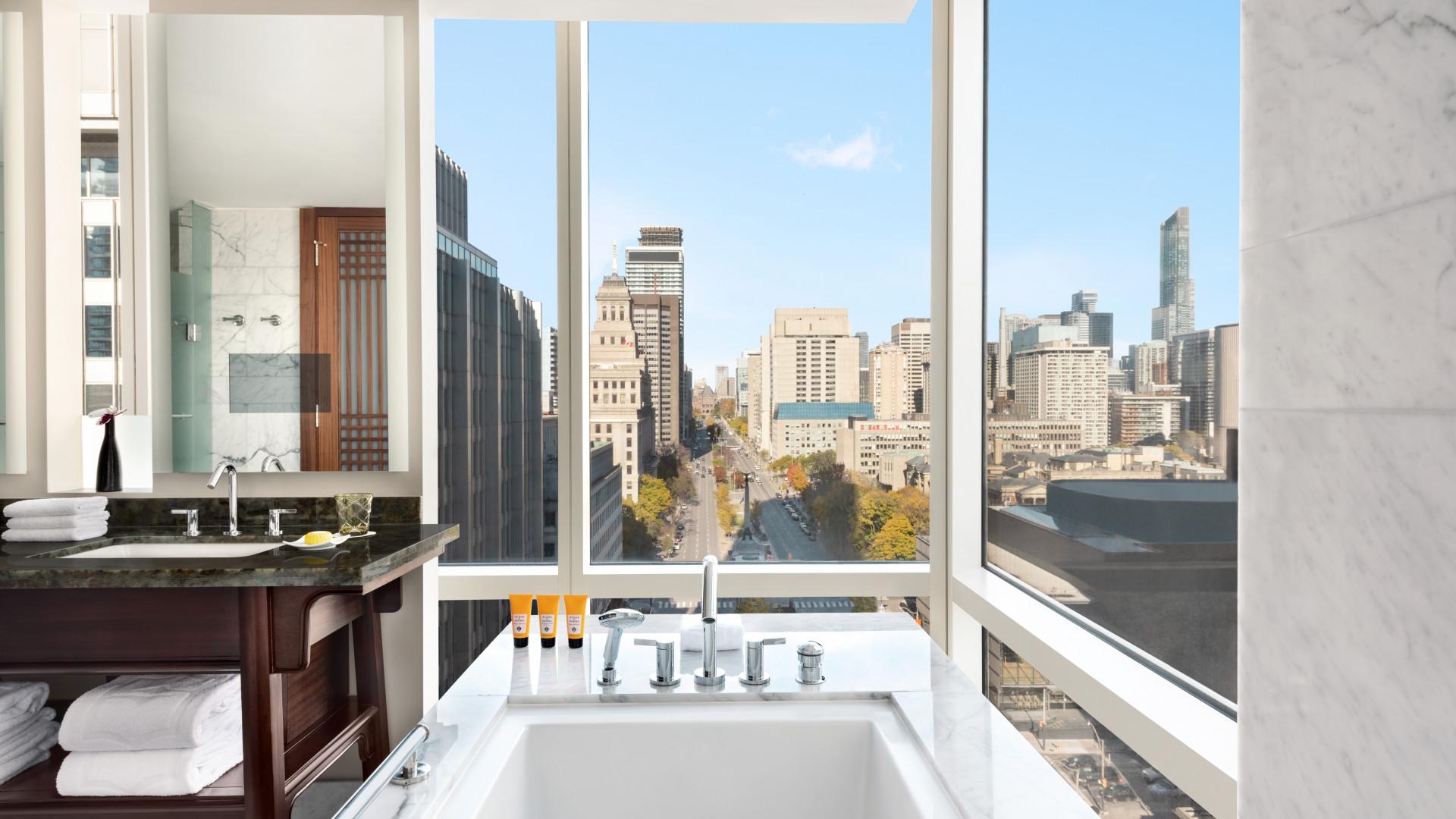 Shangri-La Toronto | The view from the tub
