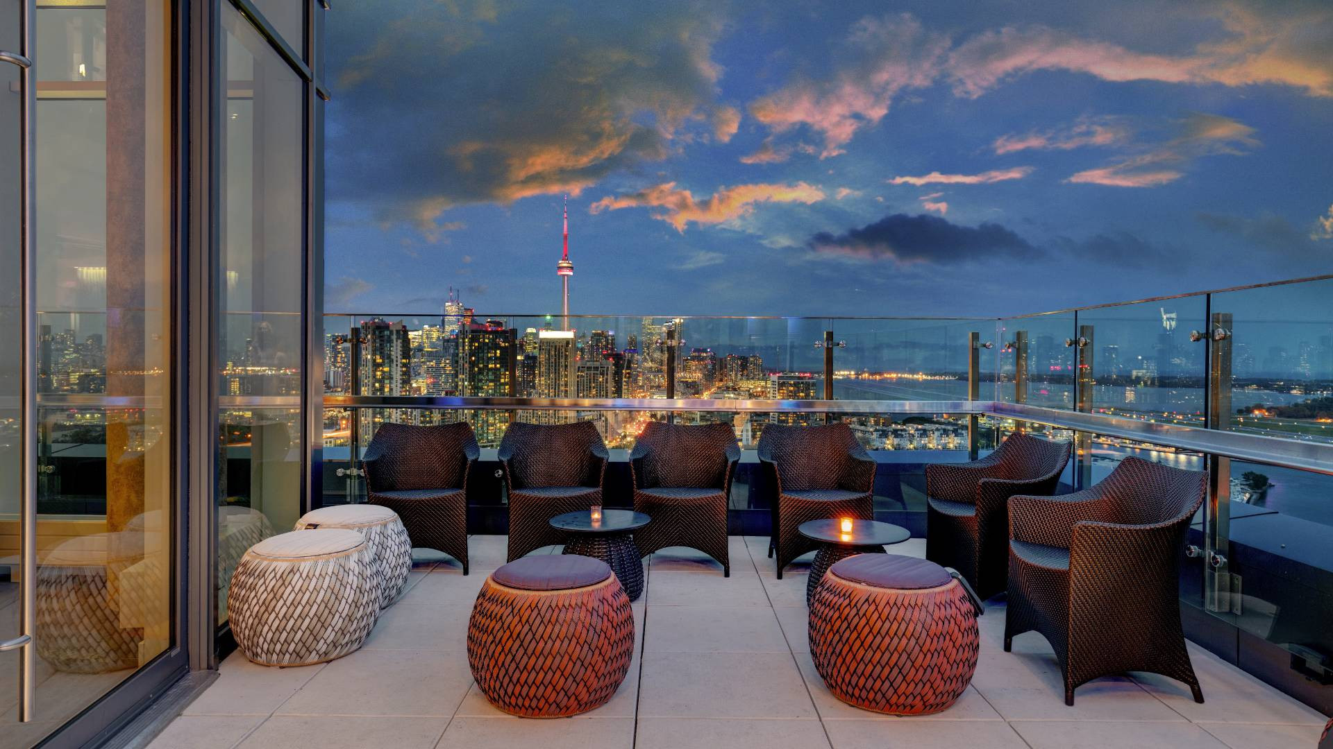Hotel X Toronto staycation | Rooftop bar and terrace