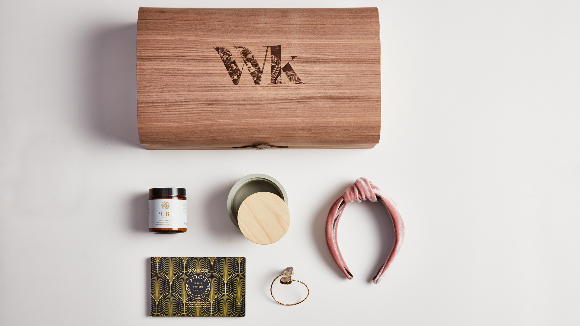 Wonderkind unique local gift sets made in Canada | Self love gift set