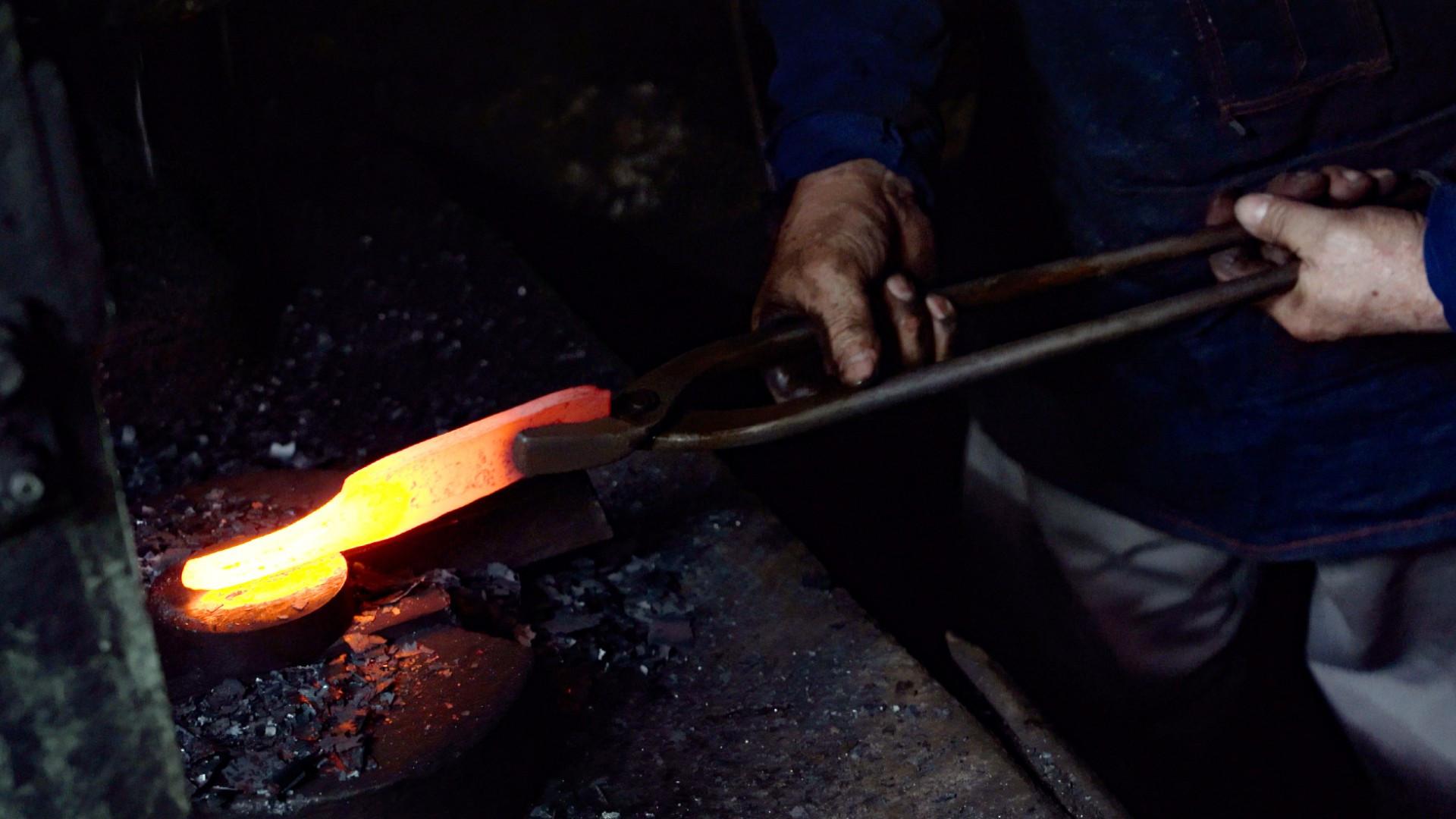 Tosho Knife Arts Toronto | Hand-forging the knives