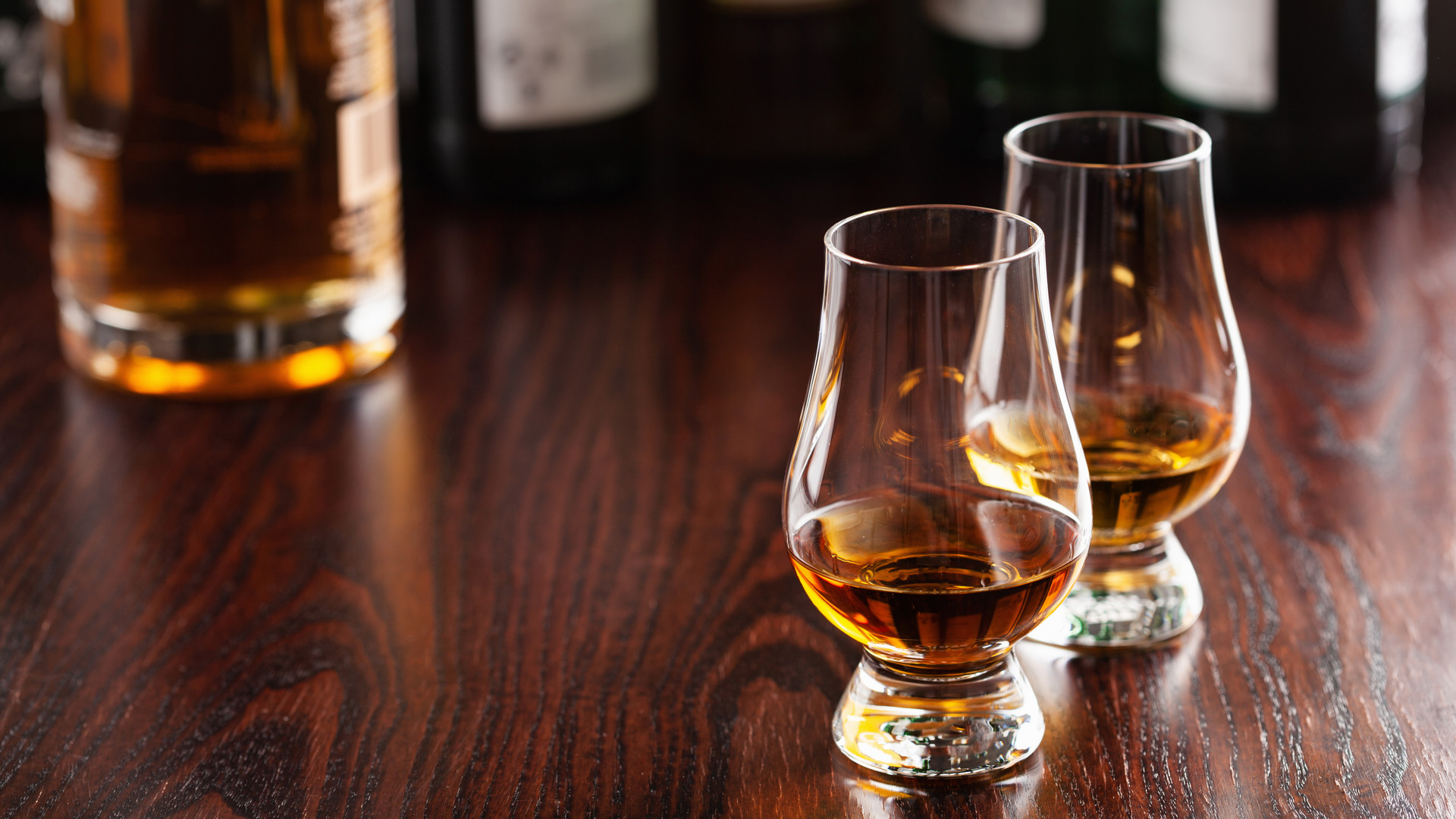 5 of the best whisky gifts at LCBO   Two glasses of whisky