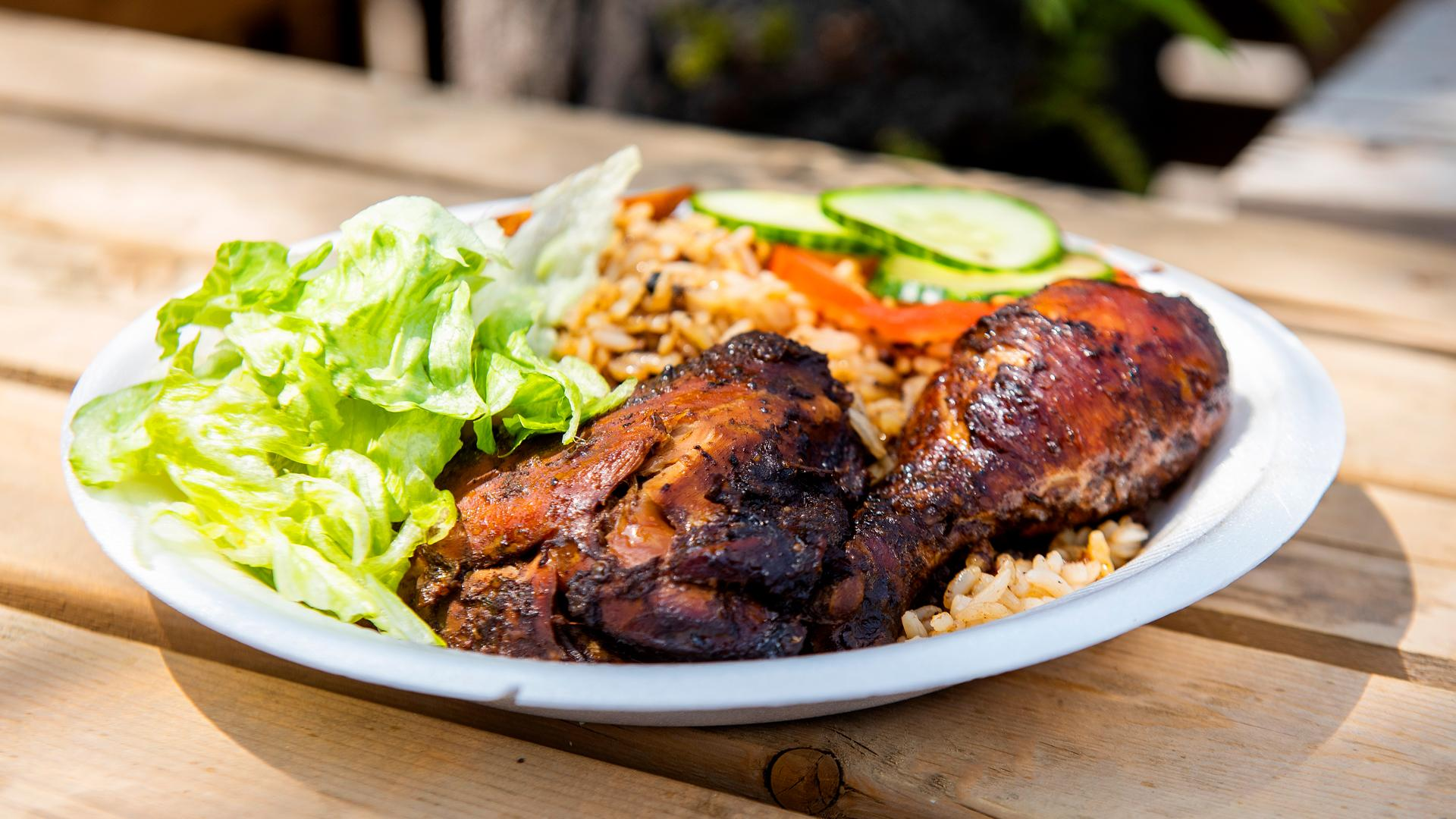 The best Toronto food markets   Chicken and rice at Market 707