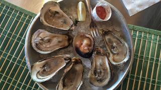 Oysters and quahogs at Carr's Oyster Bar