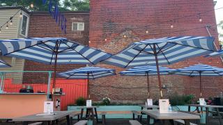 Venice Beach Bar | The patio space