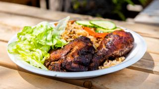 The best Toronto food markets | Chicken and rice at Market 707