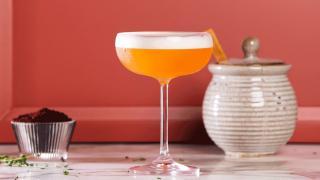 Restaurant Review: Toronto Beach Club | Sienna Sour cocktail