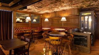 Restaurant Review: The Rabbit Hole, a whimsical British pub   Inside The Rabbit Hole