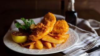 Restaurant Review: The Rabbit Hole in downtown Toronto   Ale Battered Halibut & Chips