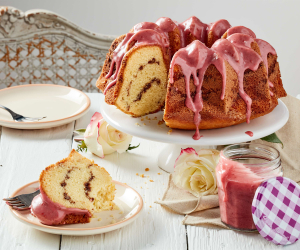 Raspberry bunt cake with Bonne Maman INTENSE Fruit Spreads