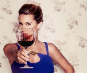 angela-aiello-thanksgiving-wine