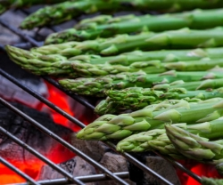 Uncle-Smoke-asparagus-salad