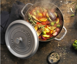 Weapons of Choice: Staub Round Cocotte 5.5.QT