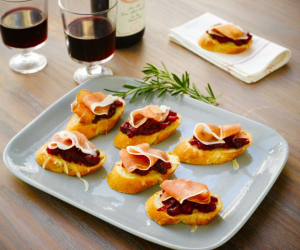 Fall-themed Italian appetizers to spice up your next dinner party | Prosciutto di Parma Cranberry Crostini