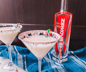 Holiday cocktail vodka martini recipe | Zirkova Vodka candy cane martini