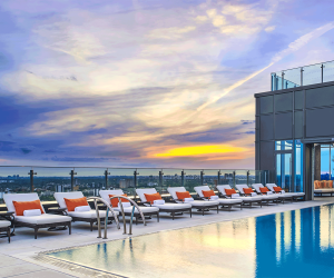Hotel X Toronto staycation | The year-round heated rooftop pool